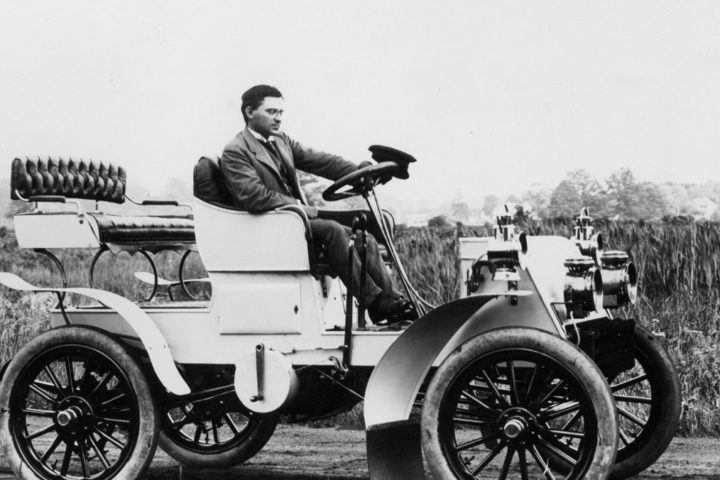 James-Ward-Packard-car-one-company-models-1902